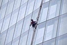 Holenderka wspięła się w proteście na budynek The Shard