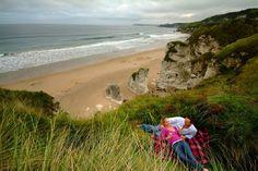 Couple à Downhill Beach, Derry North Coast, Explore, Park, Couples, Beach, Water, Outdoor, Ireland, Pathways