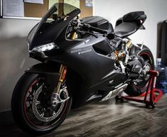 Stealth Mode | @Mine_Ca Ducati 1199 Panigale S • @DucatiGram • @Black_List #BWL #BikesWithoutLimits #Ducati #1199 #Panigale #DucatiGram #BlackList