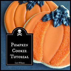 Lizy B: Easy Pumpkin Cookie Tutorial! Halloween Pumpkin Cookies, Halloween Cookies Decorated, Halloween Sweets, Thanksgiving Cookies, Halloween Baking, Fall Cookies, Cut Out Cookies, Decorated Cookies, Halloween Party