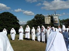 Did you know you can go for a picnic with Druids on Primrose Hill this Sunday?