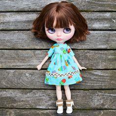 Playdress short sleeve Blue Cacti Blythe Handmade Dresses, Cacti, How To Make, How To Wear, Dolls, Disney Princess, Disney Characters, Sleeve, Blue