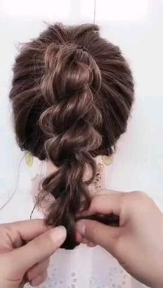 Easy Hairstyles For Medium Hair, Work Hairstyles, Braids For Short Hair, Cool Hairstyles For Girls, Braided Hairstyles Updo, Short Hair Styles Easy, Medium Hair Styles, Hair Videos, Bridesmaid Hair