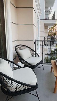 Patio House Ideas, Patio Ideas, Outdoor Ideas, Patio Makeover, Small House Design, Small Patio, Balcony Garden, Contemporary Decor, New Room