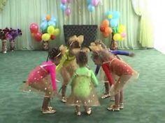 """Танец """"Колокольчиков"""" на выпускном в детском саду"""