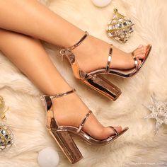 Step Above #lolashoetique #heels #rosegold #blockheels #strappy #style #sotd #stylish #fashion #fashionable