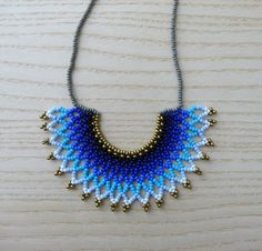 Peyote beaded Gradient Blue Mexican HALF MOON Necklace Eye Illusions, Half Moon Necklace, Beaded Necklace Patterns, Jewelry Necklaces, Beaded Bracelets, Ring Tutorial, Beaded Collar, Peyote Beading, Crochet Accessories