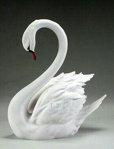 Swan Jewelry, Diy Plastic Bottle, Biscuit, Fondant Animals, Plaster Art, Bird Sculpture, Glass Animals, Fused Glass Art, Wood Ornaments