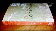 """""""Dawca"""" Lois Lowry, wyd. Galeria Książki, 2014, recenzja: http://magicznyswiatksiazki.pl/dawca-lois-lowry/ #magicznyswiatksiazki #bookmaster"""