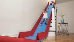 tover je trap om in een glijbaan met de (toekomstige)  SlideRider van Trisha Cleveland.