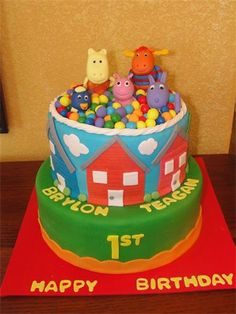 images of fondant cakes that include pizza man on top of cake