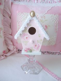 One of my Sweet n Shabby Birdhouses just added to my shop. :) This one is a soft pink with a pale french blue roof. Shabby Chic Crafts, Shabby Chic Cottage, Shabby Chic Decor, Bird Houses Painted, Bird Houses Diy, Birdhouse Craft, Blue Roof, Bird Cages, Shabby Vintage