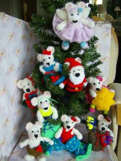 Bear-ley Christmas Time- Tree Trims,Stocking Fillers,Toys - Knitting Pattern