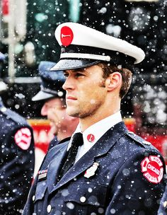 Chicago Fire This episode was a tear jerker! I cried like a baby. So moving! Chicago Fire Casey, Chicago Med, Chigago Fire, Chicago Fire Department, Chicago Justice, Jesse Spencer, Teen Wolf Boys, Chicago Shows, Taylor Kinney