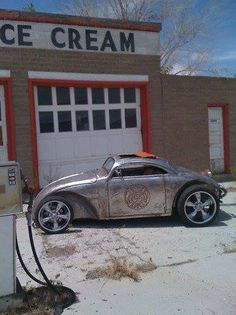 This 1965 Volkswagen Bug Volksrod is badass. Vw Rat Rod, Rat Rods, Cruisers, Combi Wv, Vw Cabrio, Kdf Wagen, Hot Vw, Cool Bugs, Vw Vintage