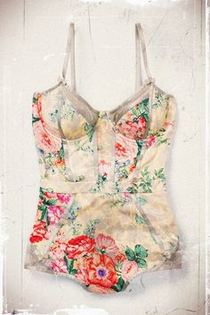 Bathing suits <3. AND this print is awesome :D!