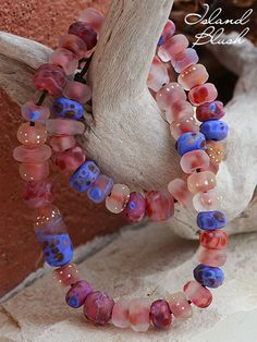 Island Blush Strand | Todo Paraíso get this pretty knotted on hemp for a long natural necklace strand, no metal components. =-)