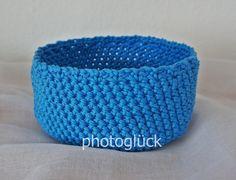 Wunderschönes Utensilo oderHäkelkörbchen in der Farbe blau mit einer Lochkante.     Utensilos sind sehr praktisch für den Schreib- oder Schminktisc...