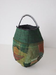 Handmade crocheted hip handbag made from recycled strips of fabric and natural materials. Handmade Crocket bag with fabric strips. Patchwork Bags, Quilted Bag, Boro, Japanese Bag, Rice Bags, Japanese Textiles, Japanese Embroidery, Linen Bag, Basket Bag