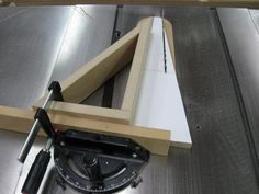 Any angle miter gauge jig