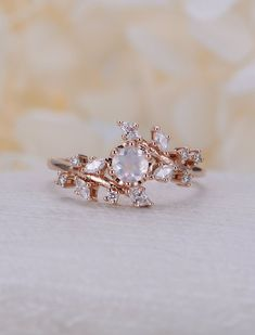 Modern Sapphire Engagement Ring Set Rose Gold Engagement Rings Leaf Sapphire Ring with Matching Band - Fine Jewelry Ideas Diamond Cluster Engagement Ring, Dream Engagement Rings, Engagement Ring Settings, Peach Sapphire Rings, Pink Sapphire, Engagement Ring Buying Guide, Pretty Rings, Ring Verlobung, Unique Rings