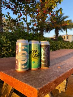 If you like craft beer, find out all the best Florida breweries to visit! This list includes over 20 amazing places to find craft beer in Florida #craftbeer #floridabreweries Places In Florida, Florida Vacation, Florida Travel, Funky Buddha Brewery, Tampa Bay Area, Beer Company, Vero Beach, Sunshine State, Central Florida