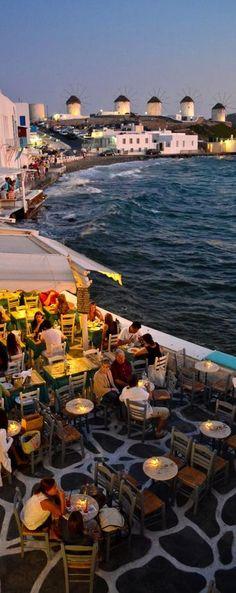 Mykonos, Greece, Exactement l'endroit où notre groupe a souper. Fabuleux !