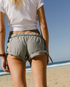 the getaway shop: madewell pull-on side-tie shorts in chambray stripe.