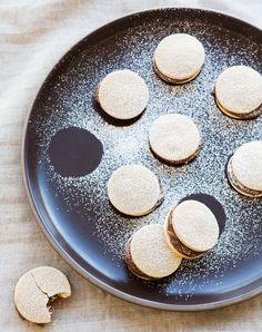 Dulce de Leche Alfajores (recipe)