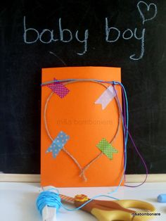 Πορτοκαλί φακελάκι διακοσμημένο με σχοινάκι, πολύχρωμα κορδονάκια και όμορφα πουά washi tape. Τιμή: 1,50 ευρώ. Boy M, Baby Boy, Washi, Handmade, Hand Made, Boy Newborn, Handarbeit