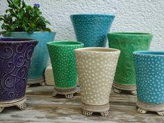 Sie beschreibt ihr Arbeit so:        KERAMIK SUSANNE DEDDEN     In meinem Atelier in Vallendar, stelle ich Keramik   zum Gebrauchen her. ...