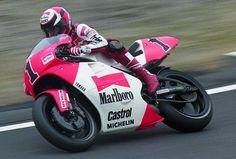 Wayne Rainey prior to winning his 3rd 500 world championship at the '92 Japanese GP with the Marlboro Roberts Yamaha YZR 500