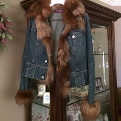 Adorable Fox Fur and Blue Jean Jacket This beautiful jacket is just gorgeous!! Size reads 36 Size XS-SNew no tags. Original Price was over $500.00Offers WelcomedNo trades and no p✖️pThank You and Happy Poshing Kryos Jackets & Coats Jean Jackets