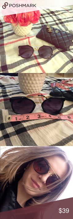 5 ⭐️ Reviews! LOWEST price!! Best quality!! Brand New! Glossy black sunnies with gold detail. The epitome of CHIC and classic style! You will ❤️ these sunnies! Includes a cloth carrying case. I have 3 pair, so get em while you can! Listed under Zara for exposure. These are high quality, boutique branded sunnies 😎 Zara Accessories Sunglasses