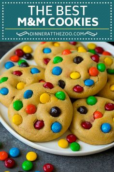 M amp M Cookies: These M&M cookies are made with a soft brown sugar cookie dough and plenty of chocolate candy pieces. The perfect make-ahead dessert or snack. 100 Cookies Recipe, M M Cookies, Brownie Cookies, Chocolate Chip Cookies, Cookie Recipes, Dessert Recipes, Dessert Ideas, Chocolate Fondant, Homemade Cookie Dough