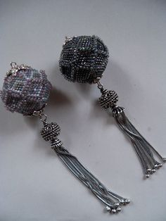 Beaded beads with tassels