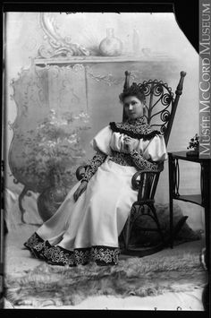 Mrs. George E. Drummond, Montreal, QC, 1898 Silver salts on glass - Gelatin dry plate process II-101581 © McCord Museum
