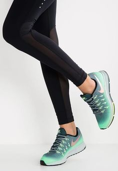 Chaussures de sport Nike Performance AIR ZOOM PEGASUS 33 SHIELD - Chaussures de running neutres - hasta/metallic red bronze/green glow/ghost green/seaweed vert: 129,95 € chez Zalando (au 30/11/16). Livraison et retours gratuits et service client gratuit au 0800 915 207.