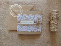 Encaje y kraft la invitación de boda perfecta