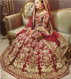 Asian Bridal Dresses, Bridal Mehndi Dresses, Desi Wedding Dresses, Party Wear Dresses, Indian Dresses, Fancy Dress Design, Bridal Dress Design, Bridal Makeover, Pakistani Bridal Dresses