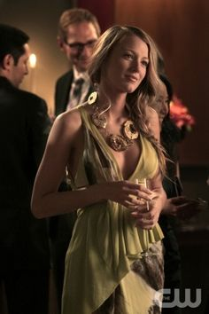 """War At The Roses"" Gossip Girl Pictured Blake Lively as Serena Van Der Woodsen PHOTO CREDIT:  GIOVANNI RUFINO/ THE CW ©2010 THE CW NETWORK.  ALL RIGHTS RESERVED"