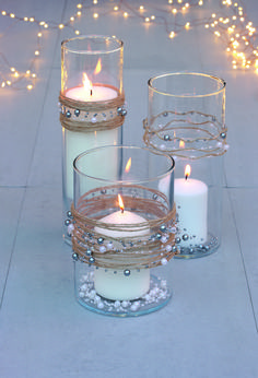 How to make Christmas candles and holders: three stylish displays Christmas Candle Decorations, Christmas Candle Holders, Christmas Candles, Glass Candle Holders, Candle Jars, Cheap Candle Holders, Candle Centerpieces, Diy Candles, Decorating Candles