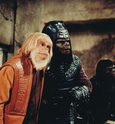 """Zaius (Booth Coleman) and Chief of Security Urko (Mark Lenard) - Planet of the Apes: The TV Series, S01E05: """"The Legacy"""" (First Broadcast: October 11, 1974)"""