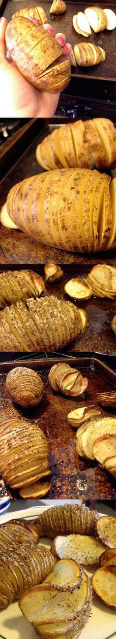 Una manera de cuinar les patates al forn. Ja tallades i amb herbetes.