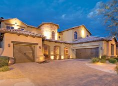 Arizona - Welcoming courtyard entrance leads to formal living room overlooking the sparkling pebble tec pool, spa and water feature, gourmet custom kitchen. Custom ironwork door throughout. Luxurious master suite retreat with three sided fireplace and jetted tub. Private resort backyard, covered patio, built-in BBQ and firepit, Optimal location close to schools, shopping and dining.