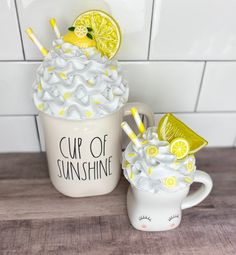 Lemon Whipped Cream, Lemon Crafts, Antique Booth Ideas, Fake Cupcakes, Lemon Kitchen, Diy Mugs, Summer Diy, Crafty Projects, Tray Decor