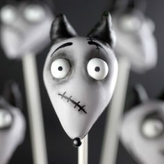 Sparky Cake Pops | A Howling Good Treat!