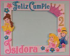 Onaily: MARCO SELFIE DE PRINCESAS EN GOMA EVA Disney Princess Birthday Cakes, Princess Birthday Party Decorations, 1st Birthday Party For Girls, Birthday Party Themes, Party Photo Frame, Party Frame, Graduation Crafts, Princess Invitations, Birthday Frames