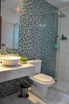 banheiro branco + pastilhas