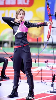 """Photos and behind-the-scenes clips for the Idol Star Athletics Championships – Chuseok Special"""" have been revealed on KOCOWA! Female Pose Reference, Pose Reference Photo, Art Reference Poses, Archer Pose, Archery Girl, Korean Girl Fashion, Dynamic Poses, Action Poses, Female Poses"""